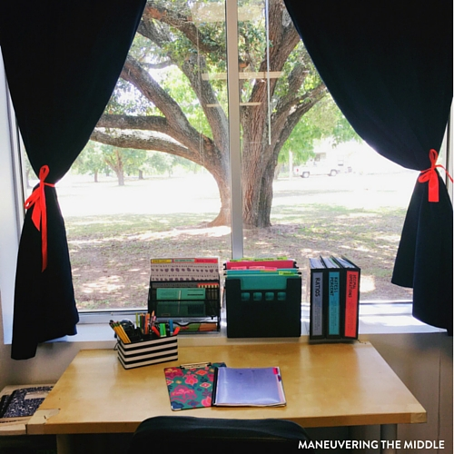 Great ideas and inspiration in this middle school classroom reveal - from decorating to small group areas to hanging posters and anchor charts.   maneuveringthemiddle.com